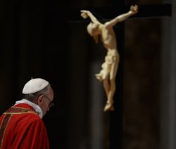 Pope's foot-wash disappoints traditionalists
