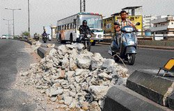 Traffic diverted on Sirsi Circle flyover