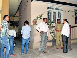 Constable chases realtor's four killers, manages to nab two