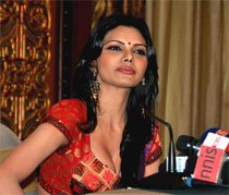 Sherlyn Chopra on way to Cannes with 'Kamasutra 3D'