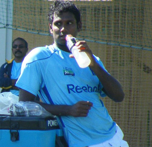 Matthews steps aside as Pune Warriors skipper