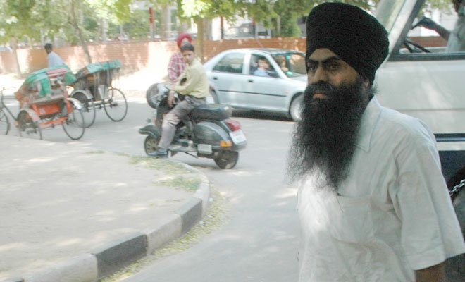 Bhullar's wife moves SC for suspending his execution
