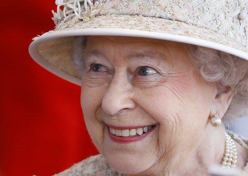 Queen Elizabeth II to skip CHOGM in Colombo