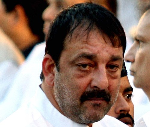 Sanjay Dutt has no option other than going to jail: lawyers