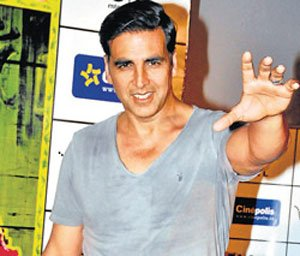 Akshay thanks Twinkle on Mother's Day
