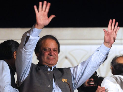 Sharif promises talks with India on Kashmir issue