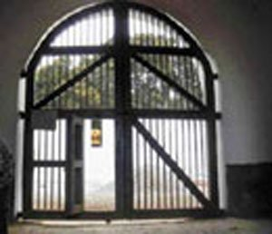 Indian reaches home after spending nine years in Pak prison
