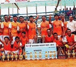 Anjaparavanda team lifts Madanda Cup- 2013