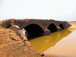 N R Pura history unravels as Bhadra backwaters depletes
