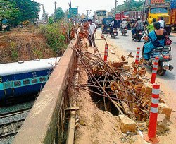 Work on new rly overbridge at BCRoad begins, finally