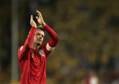 Beckham hangs up boots