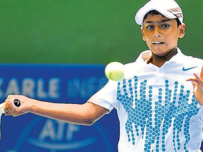 Kalyanpur, Tanvi enter semifinals