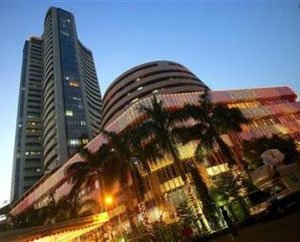 Sensex up 130 pts at 1-wk high; RIL, CIL and Hero in limelight