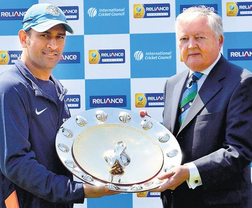 Dhoni receives ICC Shield for being No. 1 in ODIs