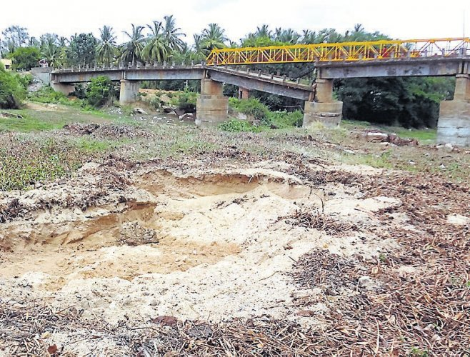 Construction boom: Illegal sand extraction continues despite ban