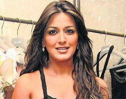 My mother is my hero: Sonali Bendre