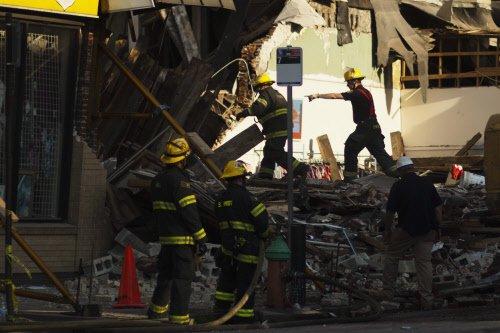 6 dead in Philadelphia building collapse