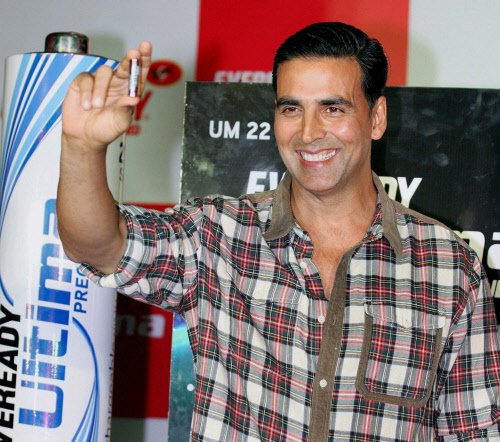 Akshay Kumar hikes endorsement fee