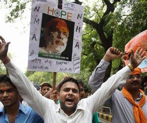 BJP distances itself from pro-Modi protests outside Advani house