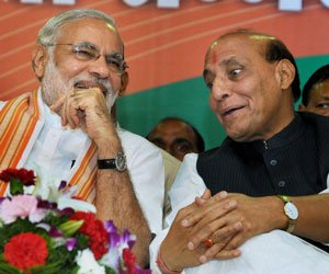 Modi takes dig at Advani, describes Rajnath as 'large hearted'