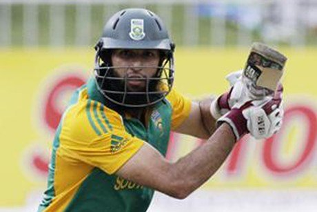 McLaren leads SA to victory