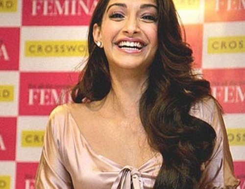 Sonam a natural actress, doesn't use glycerine to cry