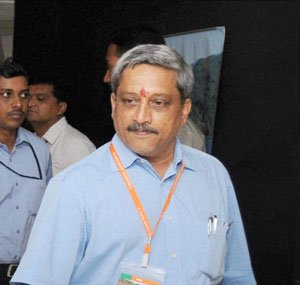 Parrikar invokes Nehru to seek special status for Goa