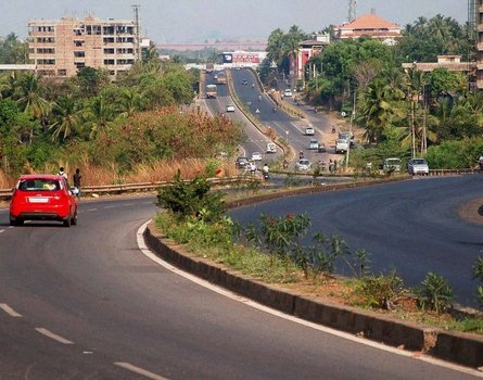 Cabinet hikes ministry's powers for highway projects to Rs.500 crore