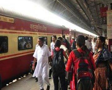 Special trains between Yeshwantpur-Gorakhpur for summer rush