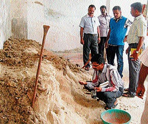 Fake fertiliser racket busted;  accused points finger towards TN