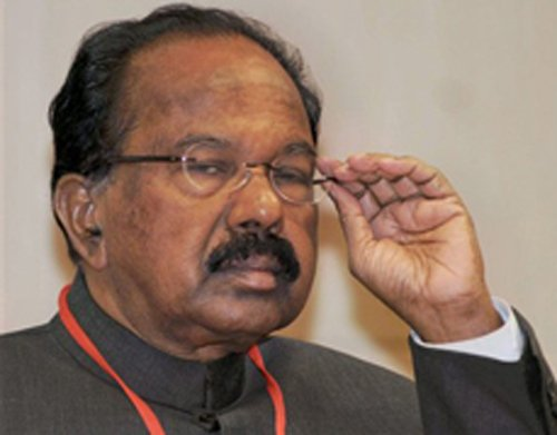 No threat to me from oil import lobby, says Moily
