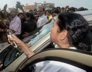 Mamata loses cool during visit to Barasat