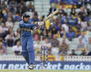 Jayawardene-inspired Sri Lanka advance to semifinals