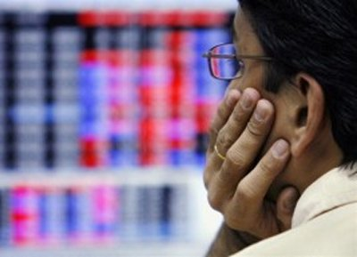 Sensex snaps two-day uptrend, down 103pts ahead of US Fed meet