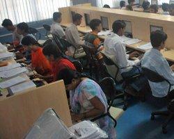 India eyeing $400-bn electronics base by 2020: IT Secretary