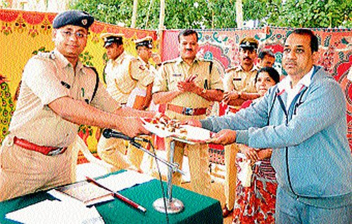 Valuables worth Rs 20.87 lakh returned