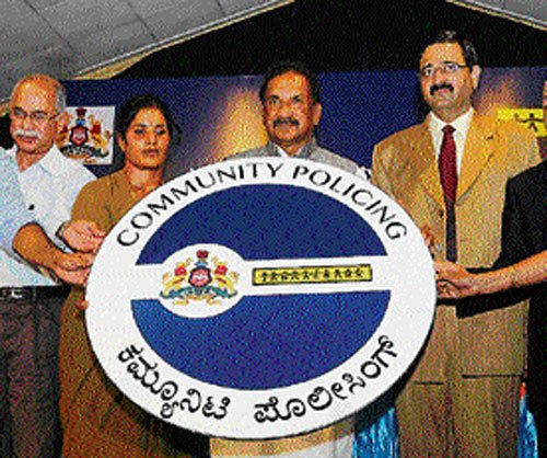 Community policing experiment takes off