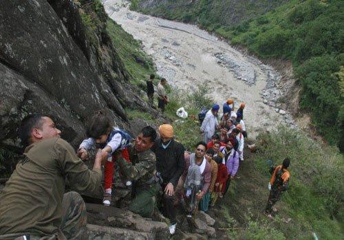 Rescue efforts gather steam in U'khand, 40 choppers deployed