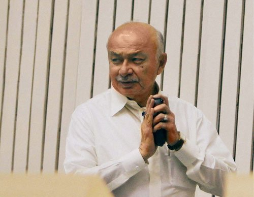 Toll 207 but more could be buried: Shinde
