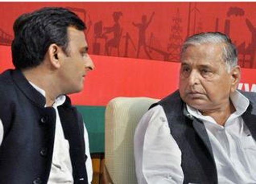 SP leader says  govt official is not even worth a tyre