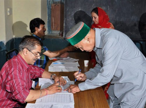 Himachal bypoll sees 48 percent voting