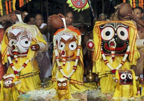 Lakhs witness bathing ritual of Lord Jagannath