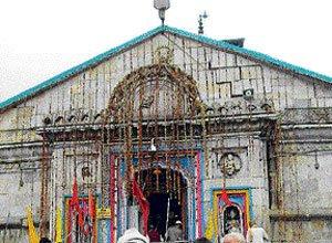 Kedarnath priest's family prays for  his safe return