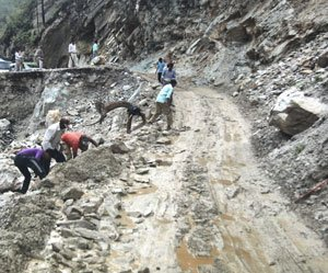 Ministry ordered not to allow any VIP to land in Uttarakhand