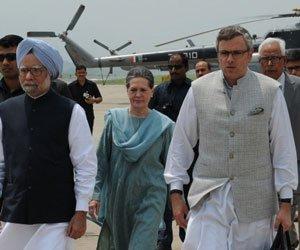 PM, Sonia visit jawans in Srinagar militant attack