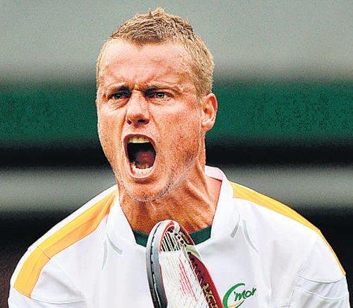 Defiant Hewitt refuses   to toe doctors' line