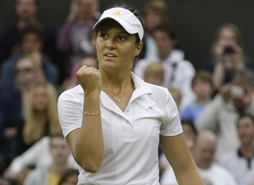 Stakhovsky cut down to size; Robson sparkles