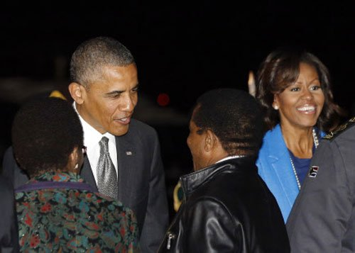 Obama pays tribute to ailing Mandela