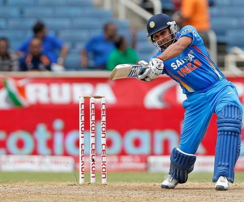 Rohit hits half-century as India reach 160/4 after 40 overs