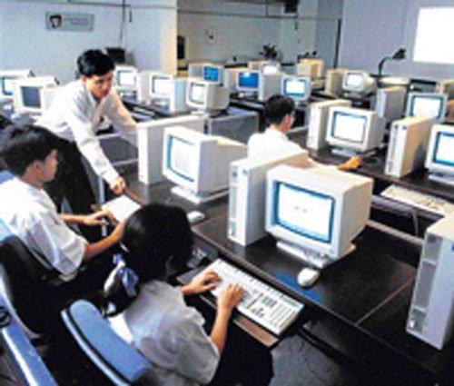 Mumbai falls, Delhi-NCR climbs in creating new jobs: Survey